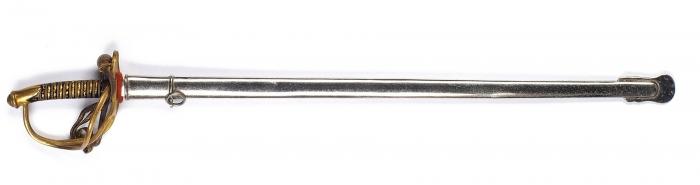 Нож для резки бумаги ввиде офицерского кирасирского палаша вножнах истемляком. [Западная Европа, сер. XIXв.].
