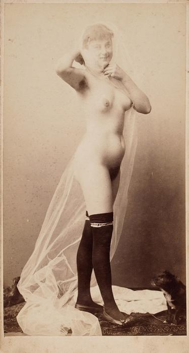 Эротическая фотография девушки под вуалью иссобачкой. Европа (?), [1900-е гг.].